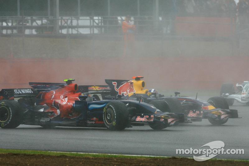 David Coulthard, Red Bull Racing, RB4 and Sebastian Vettel, Scuderia Toro Rosso, STR03 crash