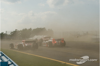 Scott Dixon and Ryan Briscoe crash