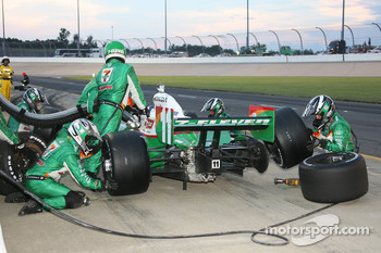 Pit stop for Tony Kanaan