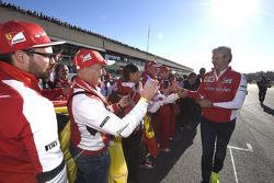Maurizio Arrivabene, Team Principal Scuderia Ferrari with fans