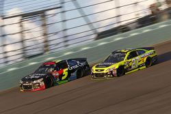 Kasey Kahne, Hendrick Motorsports Chevrolet and Paul Menard, Richard Childress Racing Chevrolet