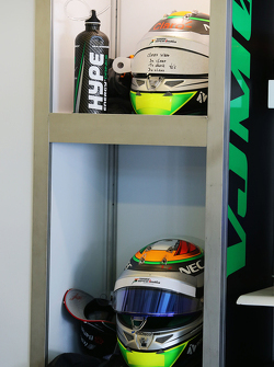 The helmet of Sergio Perez, Sahara Force India F1 and Hype drinks bottle