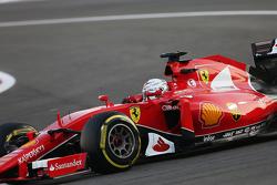 Mercedes - Ferrari n'est pas impliqué dans l'affaire d'espionnage F1-abu-dhabi-gp-2015-sebastian-vettel-ferrari-sf15-t