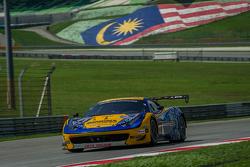 Singha车队11号法拉利458 GT3:Piti Bhirom-Bhakdi、卡罗·范达姆、亚历山德罗·皮尔圭迪、达维德·里佐
