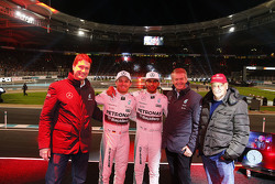 Ola Källenius, Daimler AG Board member, Nico Rosberg, Mercedes AMG F1, Lewis Hamilton, Mercedes AMG F1, Prof. Dr. Thomas Weber, member of the Board of Management of Daimler AG and Niki Lauda