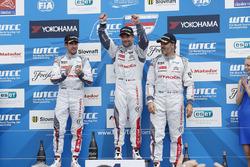 Podium: race winner Sébastien Loeb, Citroën C-Elysée WTCC, Citroën World Touring Car team, second place Jose Maria Lopez, Citroën C-Elysée WTCC, Citroën World Touring Car team, third place Yvan Muller, Citroën C-Elysee WTCC, Citroën World Touring Car team
