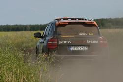 #15 Colombian Arrow Porsche Cayenne S Transsyberia: Christian Pfeil-Schneider and Tommy Steuer