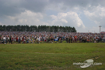 Large crowds line the hills for the Honda Indy 200