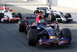 Sébastien Bourdais, Scuderia Toro Rosso stops in the pitlane