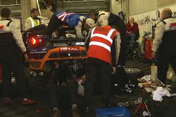 Busy mechanics (#174 Sport Garage Ferrari F430