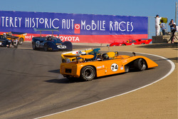 Tom Malloy, McLaren M8E in trouble