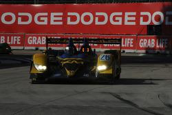 #26 Andretti Green Racing Acura ARX-01B: Franck Montagny, James Rossiter in traffic