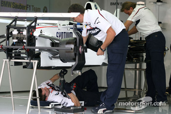 BMW Sauber F1 Team mechanics