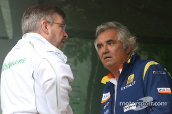 Rubens Barrichello, Honda Racing F1 Team and Flavio Briatore, Renault F1 Team, Team Chief, Managing Director