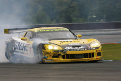 #6 Phoenix Racing Corvette Z06: Mike Hezemans, Fabrizio Gollin with damage