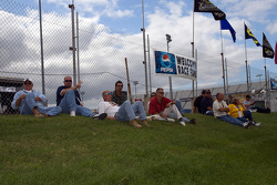 Fans wait for qualifying