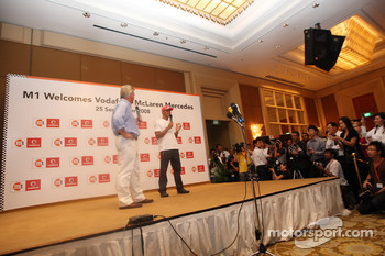 M1 and Vodafone Welcomes Lewis Hamilton, McLaren Mercedes to Singapore