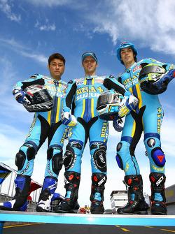Rizla+ Suzuki photoshoot: Kousuke Akiyoshi, Loris Capirossi and Chris Vermeulen