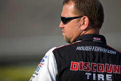 Discount Tire crew chief Mike Kelly