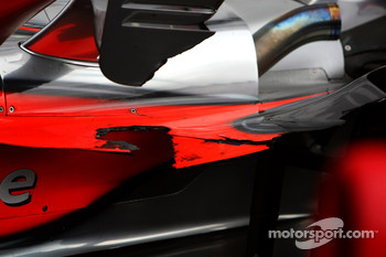 Lewis Hamilton, McLaren Mercedes, damaged car