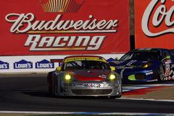 #45 Flying Lizard Motorsports Porsche 911 GT3 RSR: Jorg Bergmeister, Wolf Henzler