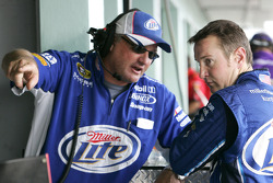 Kurt Busch talks with crew chief Pat Tryson