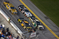 Last restart: Elliott Sadler, Richard Petty Motorsports Dodge, Ryan Newman, Stewart-Haas Racing Chevrolet, Matt Kenseth, Roush Fenway Racing Ford and Sam Hornish Jr., Penske Racing Dodge
