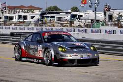 #87 Farnbacher Loles Racing Porsche 911 GT3 RSR: Dirk Werner, Wolf Henzler, Richard Lietz