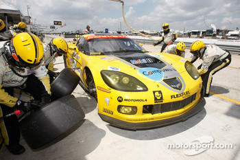 Pit stop for #3 Corvette Racing Chevrolet Corvette C6-R: Johnny O'Connell, Jan Magnussen, Antonio Garcia