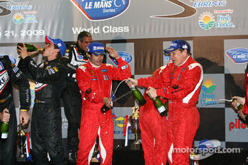 GT2 podium: champagne celebrations