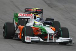 Giancarlo Fisichella, Force India F1 Team and Sebastien Buemi, Scuderia Toro Rosso