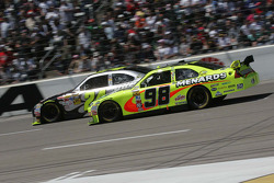 Jeff Gordon, Hendrick Motorsports Chevrolet, Paul Menard, Yates Racing Ford