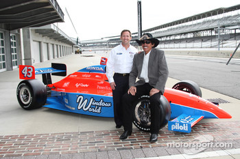 John Andretti and Richard Petty pose with the No. 43