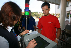 Visit at Zoomarine: Vitantonio Liuzzi, driver of A1 Team Italy