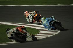 Andrea Dovizioso, Repsol Honda Team, Loris Capirossi, Rizla Suzuki MotoGP