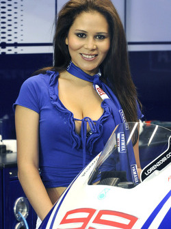A charming Yamaha girl