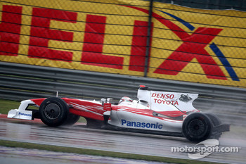 Jarno Trulli, Toyota Racing after a crash