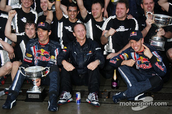 Race winner Sebastian Vettel, Red Bull Racing celebrates with Mark Webber, Red Bull Racing and Red Bull Racing team members