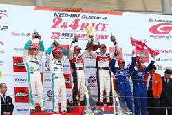 GT500 podium: class and overall winners Yuji Tachikawa and Richard Lyons, second place Juichi Wakisaka and Andre Lotterer, third place Tsugio Matsuda and Sébastien Philippe