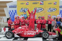 Victory lane: race winner Scott Dixon, Target Chip Ganassi Racing celebrates