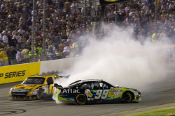 Carl Edwards, Roush Fenway Racing Ford spins in front of Matt Kenseth, Roush Fenway Racing Ford