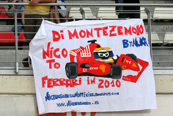 Banners in the crowd, Nico Rosberg, Williams F1 Team
