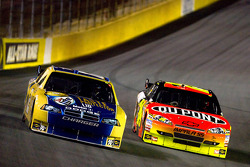 Kurt Busch, Penske Racing Dodge, Jeff Gordon, Hendrick Motorsports Chevrolet