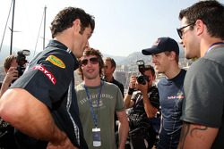 Mark Webber, Red Bull Racing, James Blunt singer, Sebastian Vettel, Red Bull Racing, Jesse Metcalfe Acto