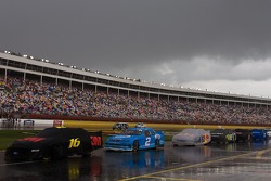 Rain delays the start