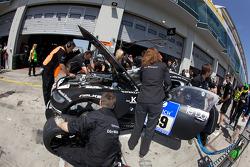 Pit stop for #69 Dörr Motorsport GmbH BMW Z4-M Coupe: Rudi Adams, Luca Ludwig, Arnd Meier, Markus Grossmann
