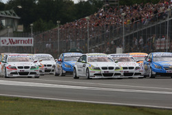 Start of the race with a crash, Robert Huff, Chevrolet, Chevrolet Cruze, Augusto Farfus, BMW Team Germany, BMW 320si, Jordi Gene, Seat Sport, Seat Leon 2.0 TDI , Nicola Larini, Chevrolet, Chevrolet Cruze