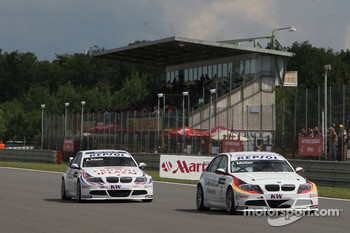 Jorg Muller, BMW Team Germany, BMW 320si and Andy Priaulx, BMW Team UK, BMW 320si