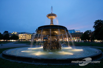 Stuttgart by night: fountain in Schlossplatz