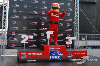 Podium: Firestone Firehawk